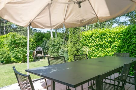 4 Bedroom family house in Geneva for 6 people. - thonex - Casa