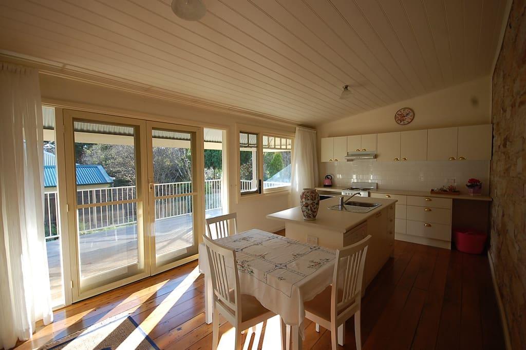 pioneer 1880 maisons louer mittagong nouvelle galles du sud australie. Black Bedroom Furniture Sets. Home Design Ideas