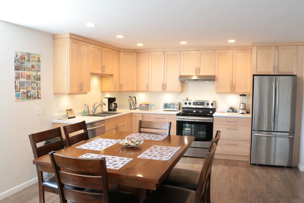 Relaxed and inspired.  Spacious, living with great lighting and all the amenities you'll need to feel at home.