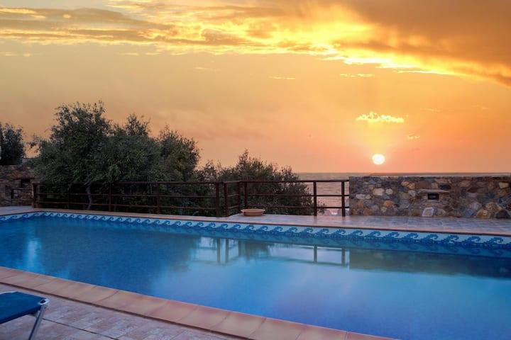 Gem Rural Villa with private pool