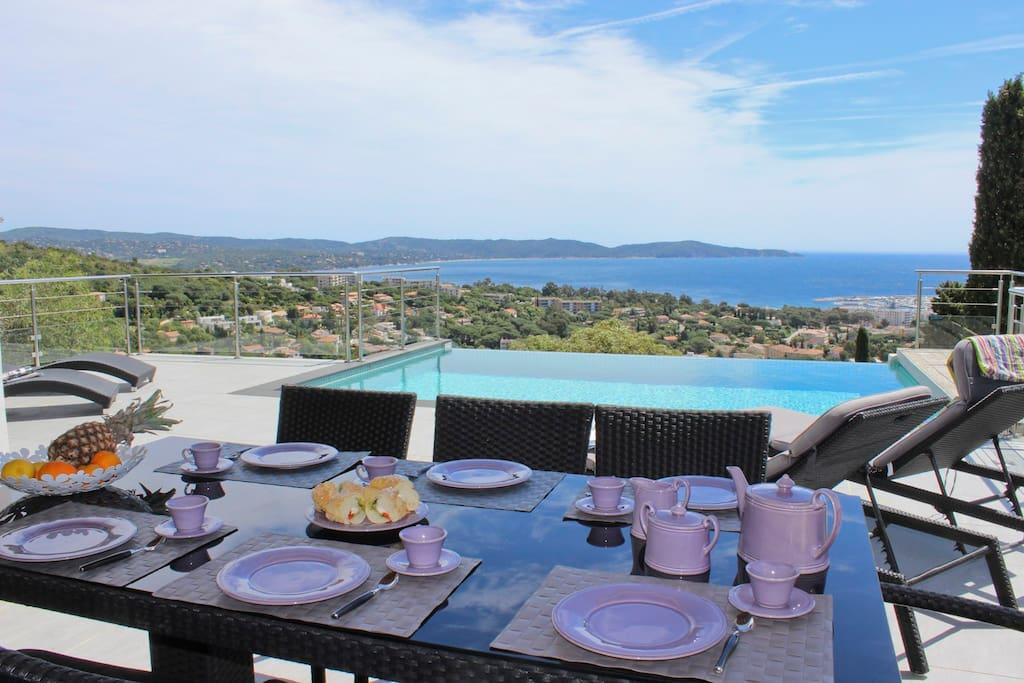 Contemporary villa sea view pool houses for rent in for Camping var piscine bord de mer