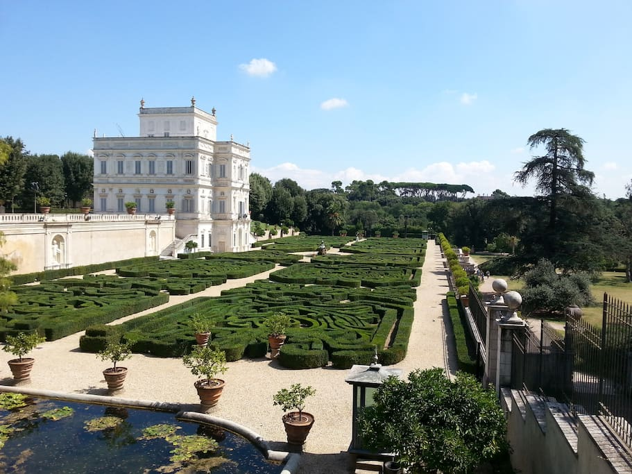 Villa Pamphili round the corner