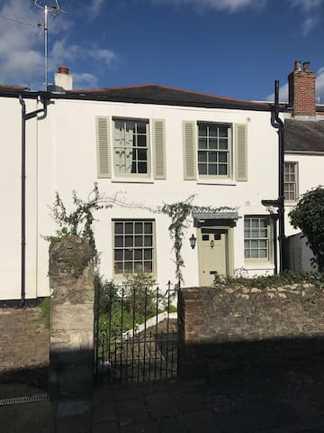 Cosy Cottage with beautiful sea views - Ryde - Hus