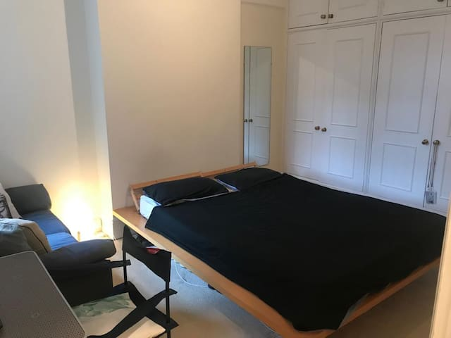 Central london-LOVELY ROOM IN MODERN FLAT