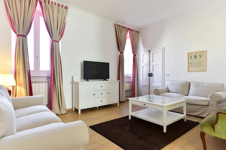 Brand New Apartment in the main square - Poggio Mirteto - Apartamento
