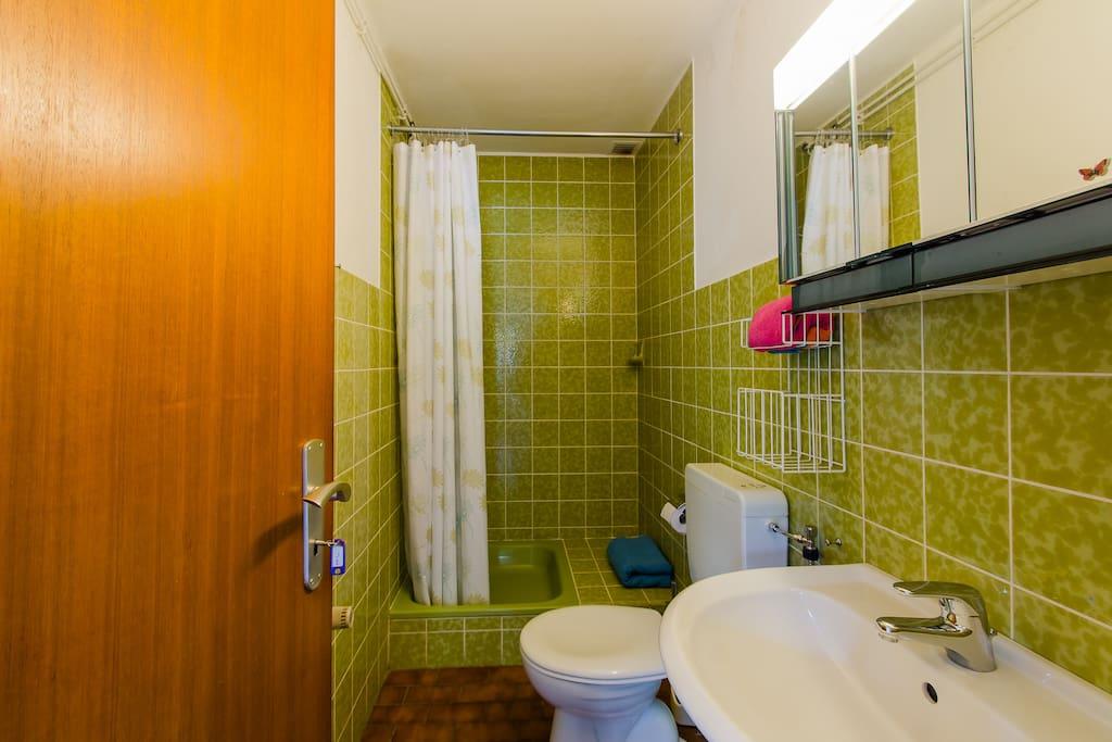 Grünes Bad zur Nutzung für KLARA und LINA