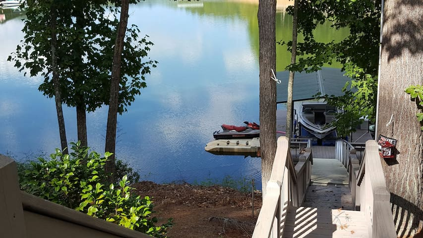 Peaceful Nottely Lake Private Suite - Blairsville - Huis