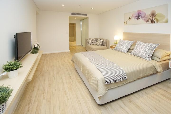 Sydney Central sub-penthouse Suite