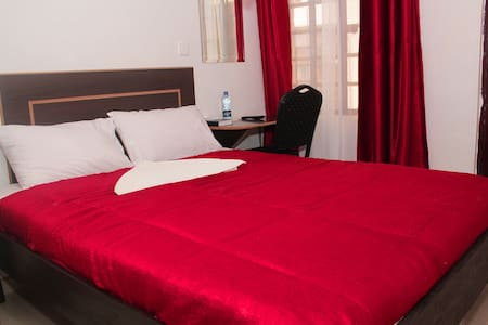Homely, secure, clean budget hotel.