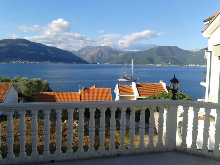 Krasici, 5bed Apartment see view