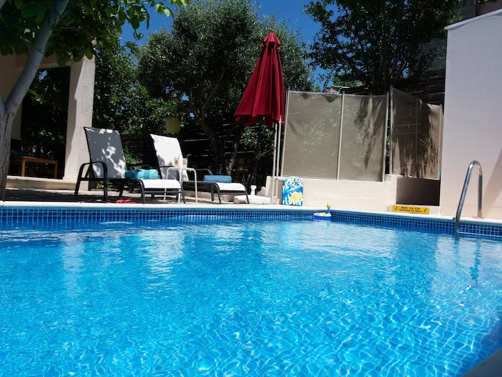 """Aria Holiday House"" with a Private Pool in Paphos"