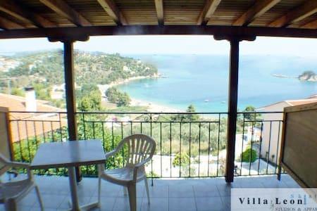 VILLA LEONI VACATION'S-Vue sur mer - Troulos