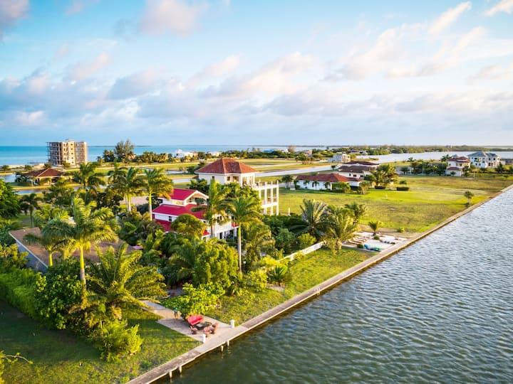 Luxurious Mini-Estate on Placencia Lagoon