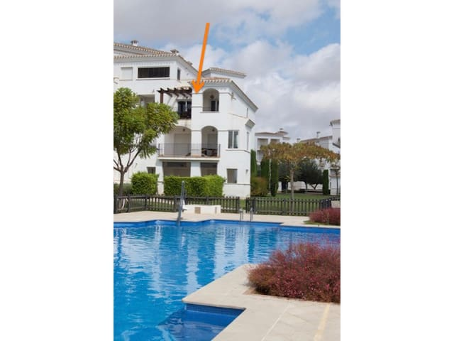 Great apartment with view of hole 10 - Roldán - Lägenhet