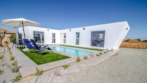 Original self-catering home in Seville countryside