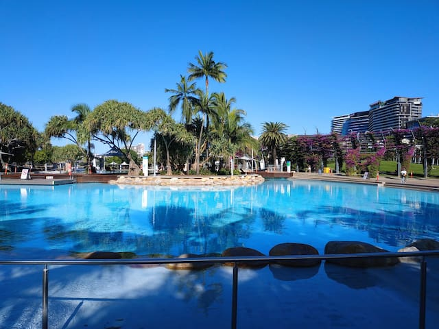 Sought after 1 bedroom apartment in South Brisbane