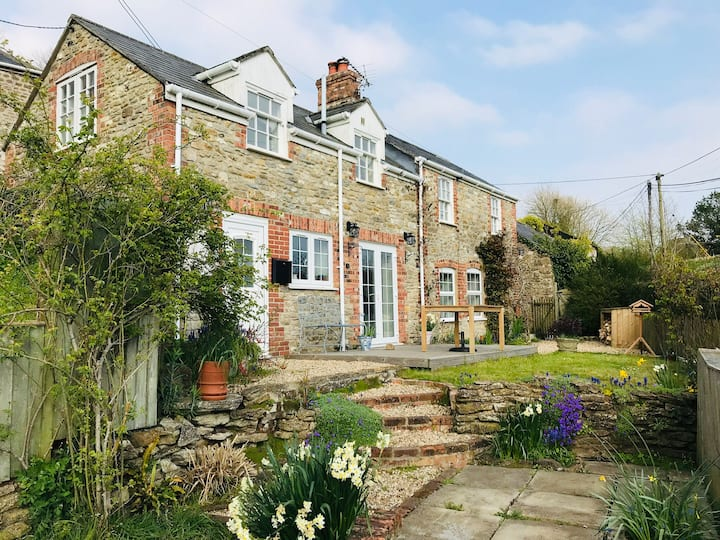 Renovated cottage close to the Jurassic coastline
