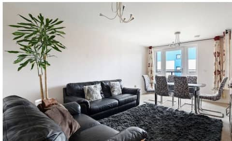 Heathrow Connect & Direct link London&M25/M4-2Bed