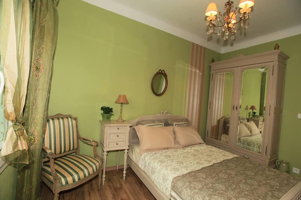 escapade romantique maisons louer la valette du var provence alpes c te d 39 azur france. Black Bedroom Furniture Sets. Home Design Ideas
