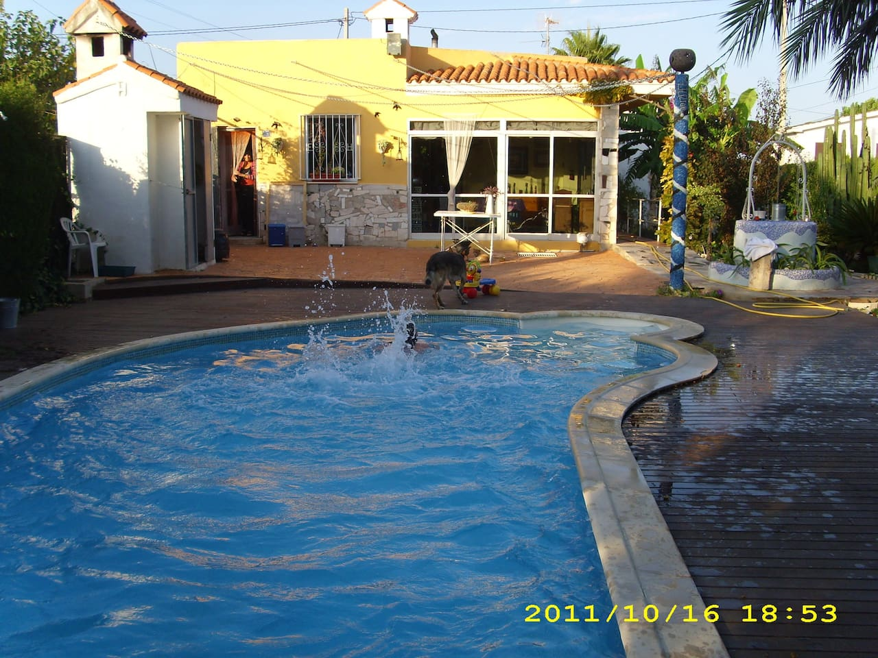 Doble room, swimming pool, parking1