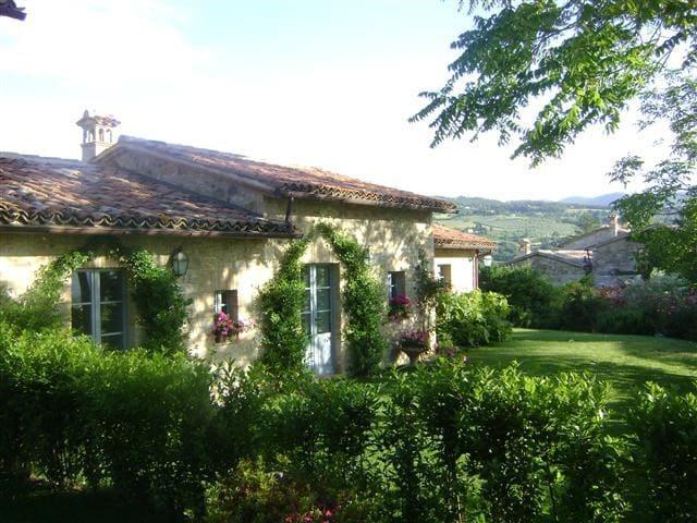 3 bedroom villa near Todi, Umbria - Todi - House