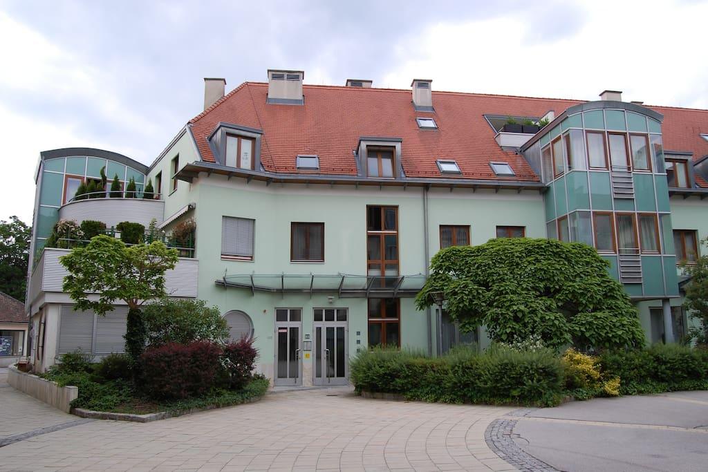 wunderschönes, gepflegtes Haus in einer ruhigen Seitengasse der Fußgängerzone der Kaiserstadt Baden bei Wien