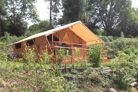 canvas tent lodge on campsite - Saint-Coulitz