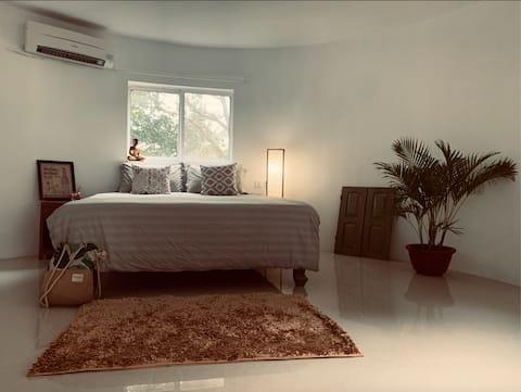 Bodia Retreat ~Helt ny unik bungalow ved floden
