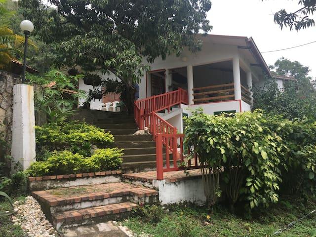 Hermosa y confortable finca de descanso - Anapoima - Casa