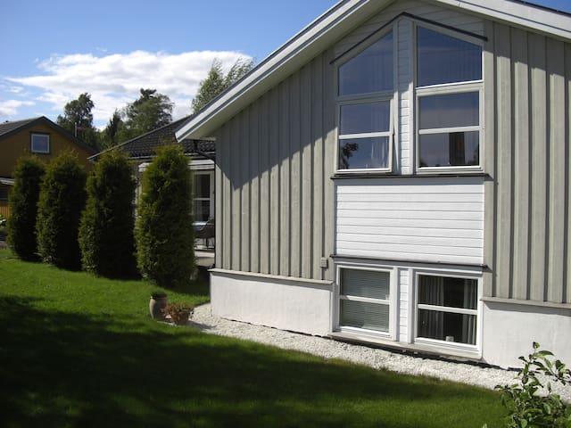 Moderne og romslig hus - Nøtterøy - Ev