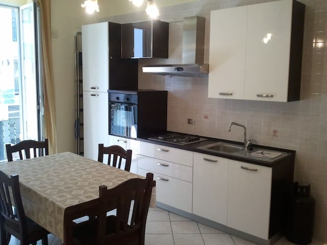 Comfortable apartment furnished - Barletta - Daire