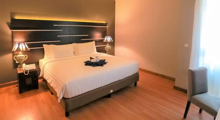 Nice Deluxe Room at Madina Inn