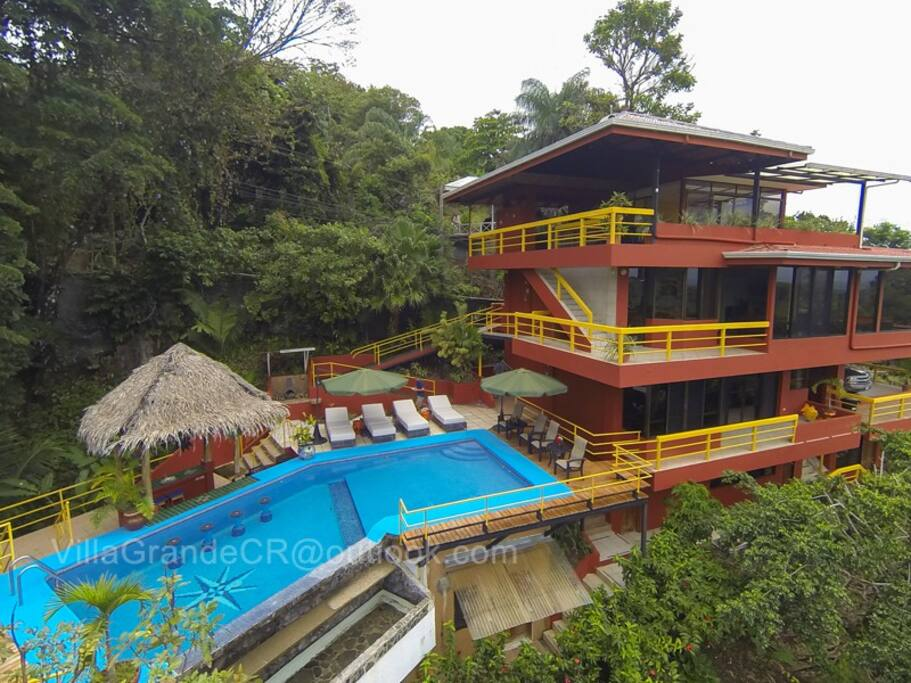 Four floors of privacy in the jungle with ocean views!