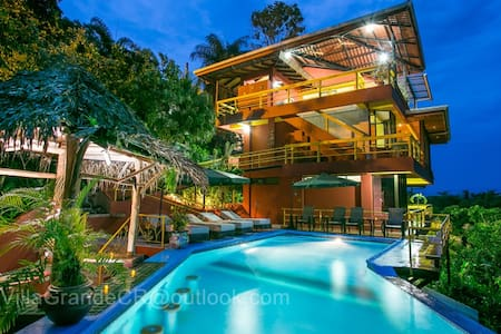 Villa Grande - Pacific views for 14 - Manuel Antonio
