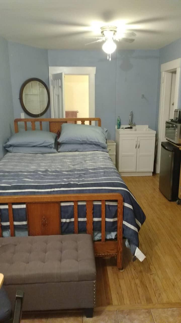 Very Convenient Mini-suite