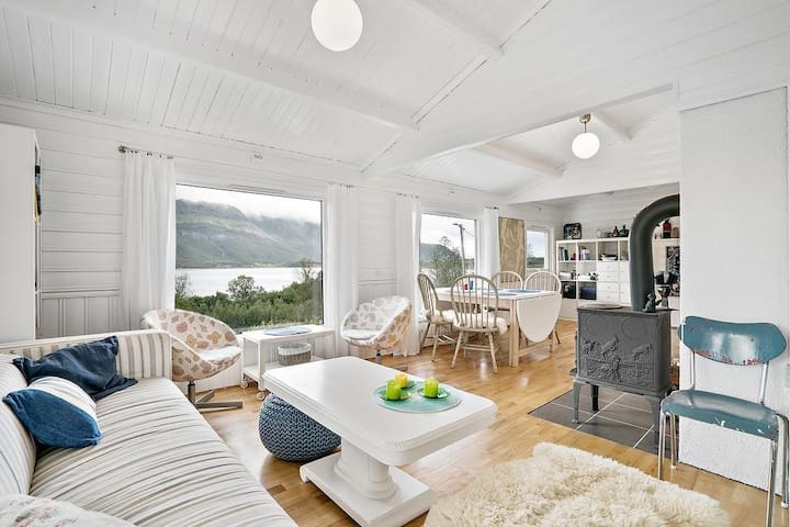 Really cozy CHALET, breathtaking view, Lyngen Alps - Olderbakken - Rumah