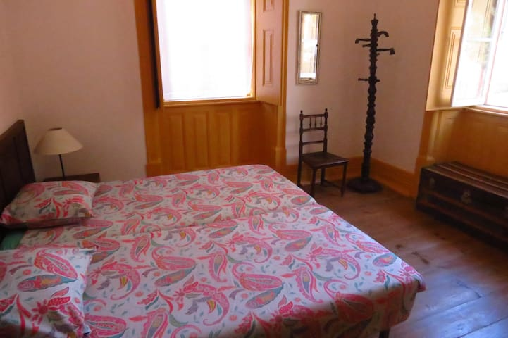 Room Nº43 twin at the S. Shelter - Figueira da Foz - Bed & Breakfast