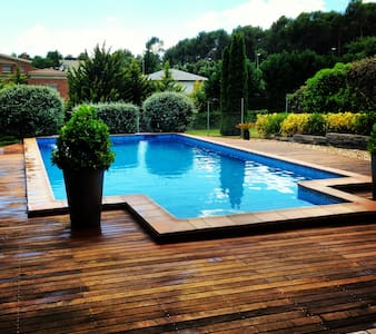 Luxury villa, swimming pool,garden - Castellarnau
