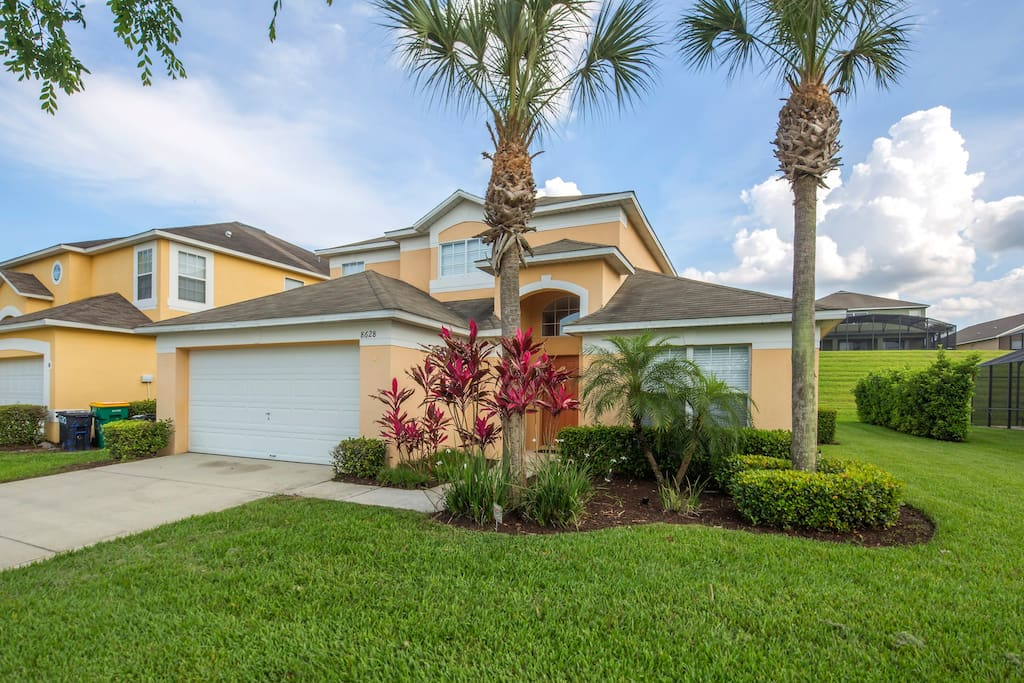 This fabulous Florida pool home is the perfect place for your family to have a fantastic vacation to Walt Disney World® Resort and the theme parks and attractions in Orlando.