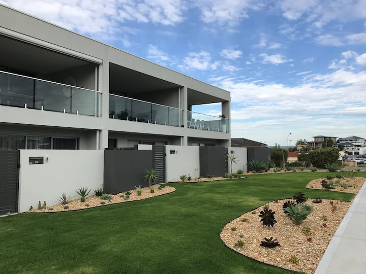 Beachside Getaway in Port Noarlunga -Green Gables