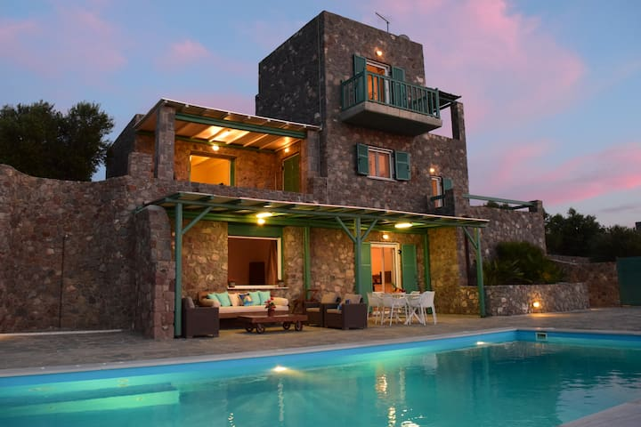 Luxury Villa with Amazing Sea View - AEGINA - Vila