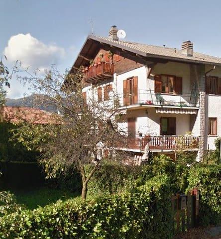 Valsassina cosy flat - Maggio - House