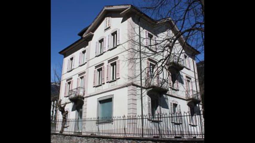 Appartamento in casa d'epoca - Faido - Apartmen