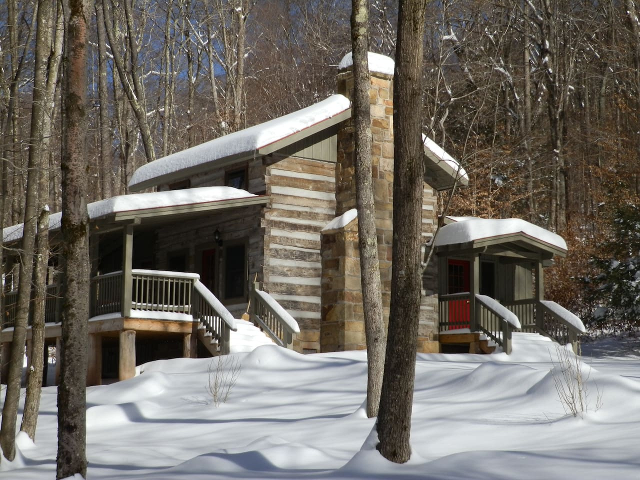 Stonewall Jackson cabin in winter