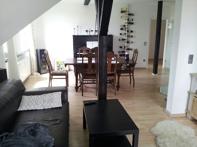 Penthouse apartment near the center - Braunschweig - Apartment