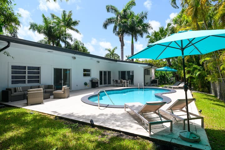 Casa Florida 5 Bedrooms w Pool Close Miami Beach