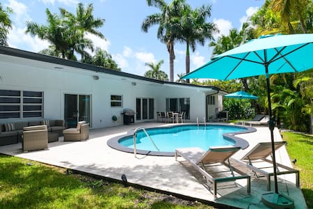 Casa Florida 5 Bedrooms w Pool Close Miami Beach