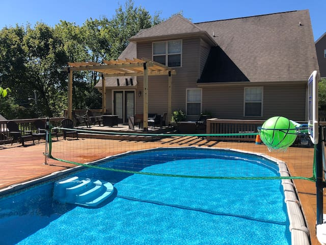Perfect getaway home w/ pool for family & friends