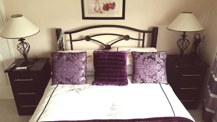 Luxury Double Room, close to city and airport!