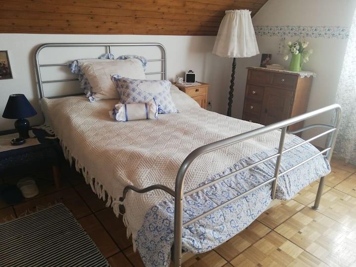 Zimmer mit eigener Küche in Ansfelden Nähe Linz